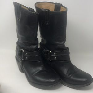 Frye Harness Leather Pull on Short sz 7 1/2B Boots
